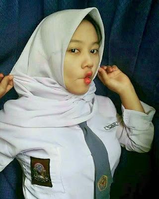 Siswi SMA Hijab ketat Jilbob