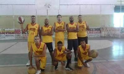 Seleção mairiense de basquete participa de torneio em Capim Grosso