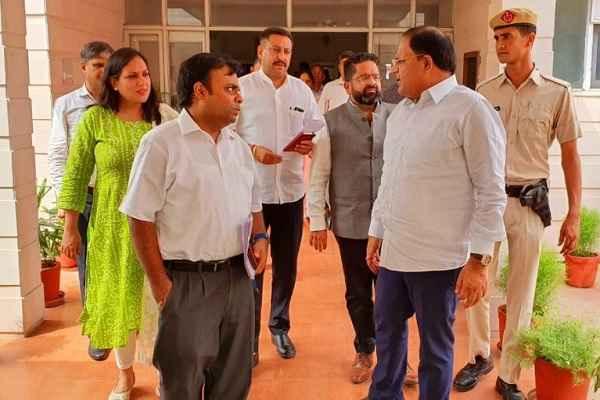 haryana-minister-vipul-goel-meeting-with-dc-faridabad-for-smart-city