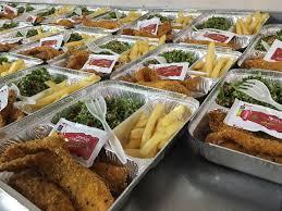 وجبات الغذاء الجاهزة للطلاب والموظفين