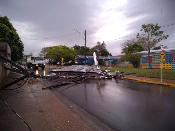 Temporal e chuva de granizo causam estragos em municípios do Pontal do Paranapanema