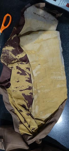 ಮಂಗಳೂರು-- ಈತ ಧರಿಸಿದ್ದ ಬಟ್ಟೆಯಲ್ಲಿತ್ತು 14.69 ಲಕ್ಷದ ಬಂಗಾರ!