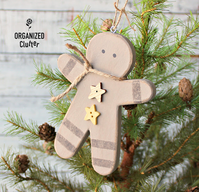 Gingerbread Men Semi-Homemade Ornaments #hobbylobby #ornaments #DIYornaments #gingerbreadmen