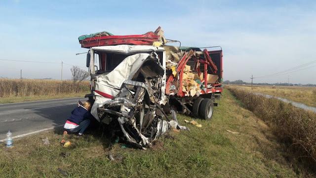 Las imágenes que dejó el accidente de camiones en ruta 11