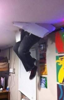 Провалиться сквозь крышу