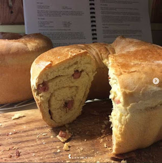 Photo of sausage bread known as Spehovka