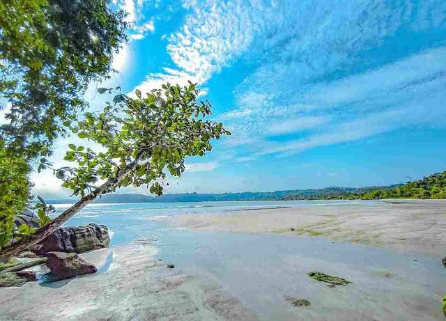 Pantai Kali Kencana Cilacap: Lokasi, Rute, dan Harga Tiket