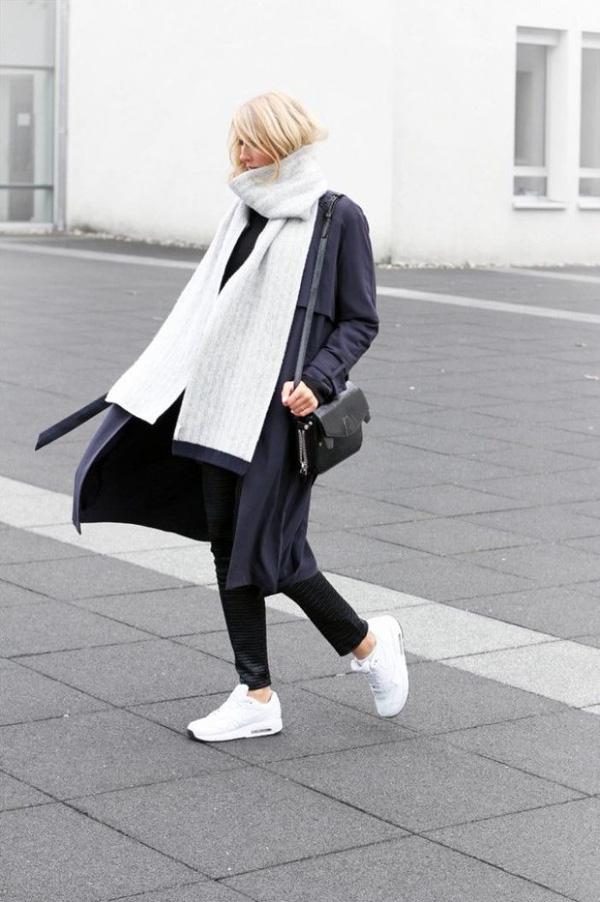 Giày thể thao sneaker trắng - item hot trend kinh điển sắm được 1 lần diện 4 mù4a