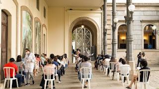 Prefeitura do Rio de Janeiro inicia vacinação de profissionais de educação