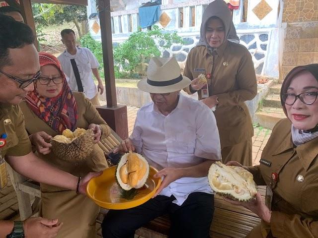 Gubernur WH: Kualitas Dan Rasa Durian Banten Berkelas Internasional