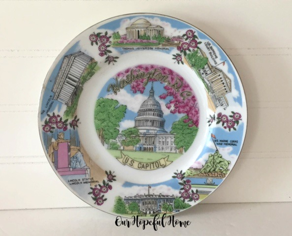 Thrift store state plates are a fun find: Washington, D.C. souvenir plate