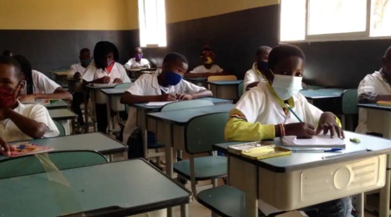 ANGOLA: MINISTÉRIO DA EDUCAÇÃO CEDE A SINDICATO E LANÇA CONCURSO PARA ACTUALIZACAO DE CARREIRAS