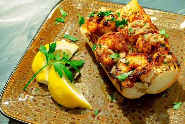Spicy Shrimp Toast With Garlic Butter and Lemon - 2