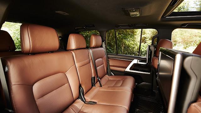 """toyota land cruiser nhap my 18 - Đánh giá Toyota Land Cruiser V8 5.7 lít nhập Mỹ : Chỉ một chữ """"TUYỆT"""" - Muaxegiatot.vn"""