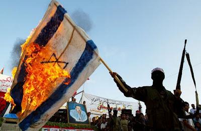 """Desde 1948, nosotros los árabes se les ha enseñado que todos tenemos que hacer es deshacerse del estado judío, y todo lo demás irá bien después de eso. Nuestros dictadores se aprovecharon de esta idea. El presidente egipcio Gamal Abdel Nasser encerrado y ejecutado sus miembros de la oposición usando su famosa excusa: """"No hay voces deben ser permitidos a excepción de los de la guerra con Israel""""."""