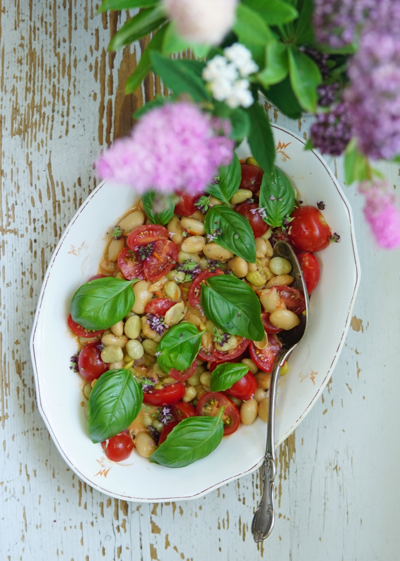 papu, tomaatti, salaatti