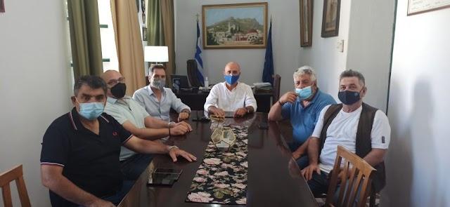 Δυο ειδικές καρέκλες μεταφοράς ΑΜΕΑ δωρίζει ο δήμος Λέρου στο ΕΚΑΒ Αιγαίου