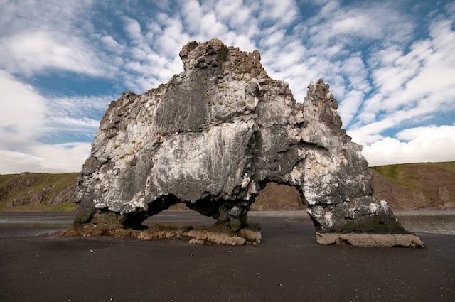 Volcán Triceratops Gigante Hvítserkur Islandia