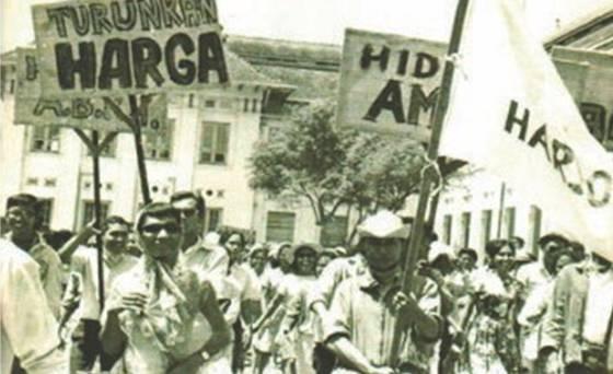 tritura masa transisi 1966-1967