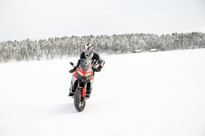 Ducati Multistrada V4 al Circolo Polare Artico