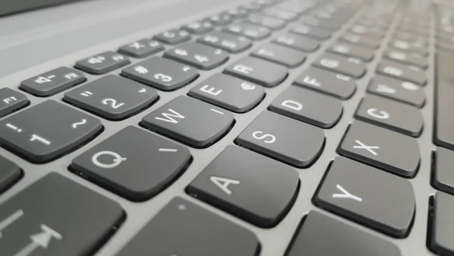Keys of this laptop's keyboard with no backlit