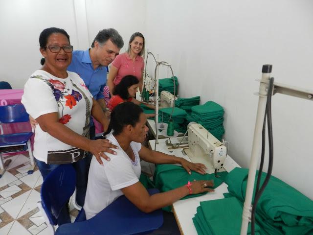 Reeducandas entregam produção em curso da Semast em Cacoal