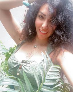 الصيف والخضرة اطلالة بسيشن خاص لميرهان حسين على الانستجرام
