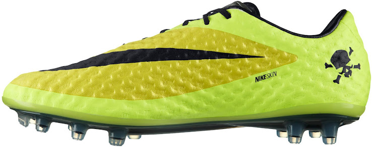 724d0a30e39 The upper features two light yellow colors and is made from the synthetic  NikeSkin material made for control in all weather conditions.