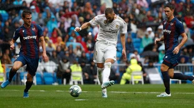 ريال مدريد | زيدان يتمسك بكريم بنزيما