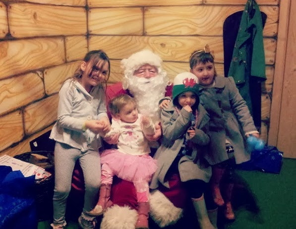 , Izzy's Very Merry Christmassy 2nd Birthday at Folly Farm #CountryKids