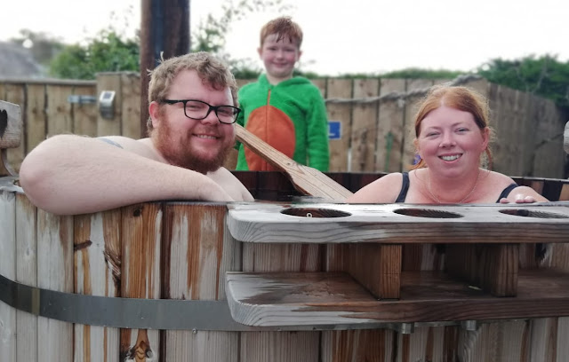 20 lodges with hot tubs within a 2 hour drive of Newcastle Upon Tyne - Shepherds Retreat Beadnell