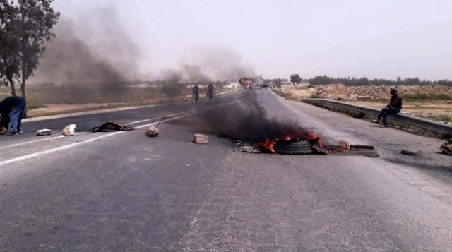 المهدية :غلق الطريق إحتجاجا على واقع التنمية والتشغيل بمنطقة القراقبة