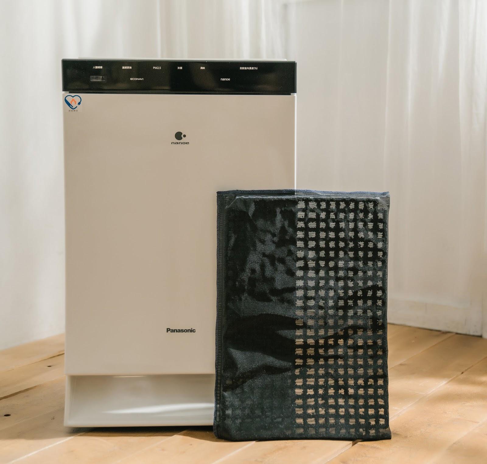 7.Panasonic_dj%25E7%2590%25A6%25E7%2590%25A6_wwwhostkikicom_%25E6%25BF%25BE%25E7%25B6%25B2.jpg-雙重淨化室內空氣,用空氣清淨機打擊換季過敏生病