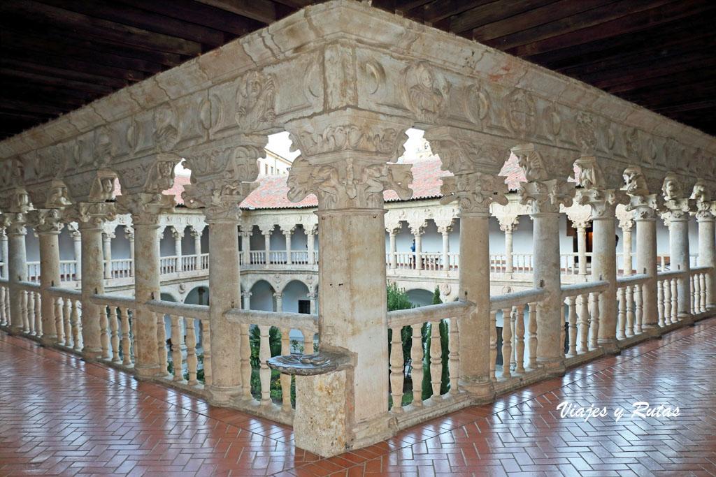 Claustro del Convento de Dueñas, Salamanca