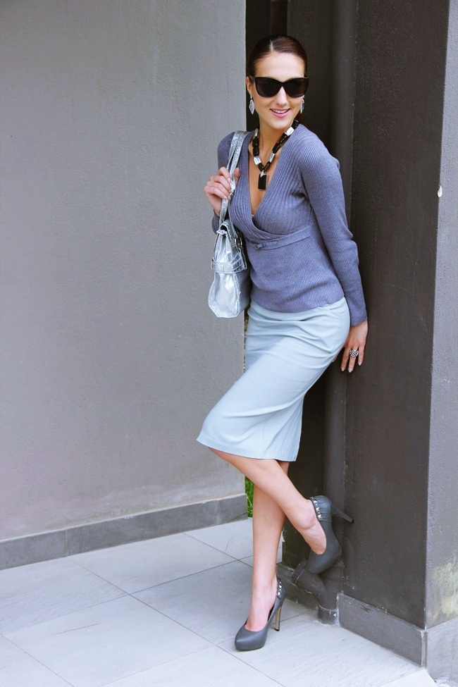 total gray outfit gray skirt grat blouse gray pumps silver bag gray jewelry