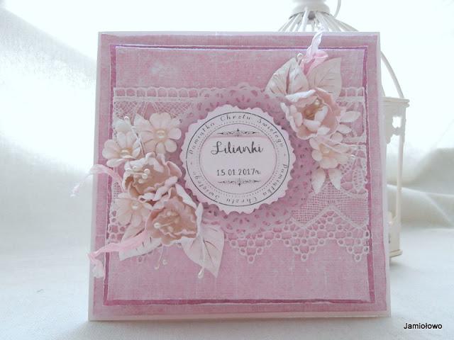 kartka z gipiurą i kwiatami z okazji chrztu św. dla dziewczynki