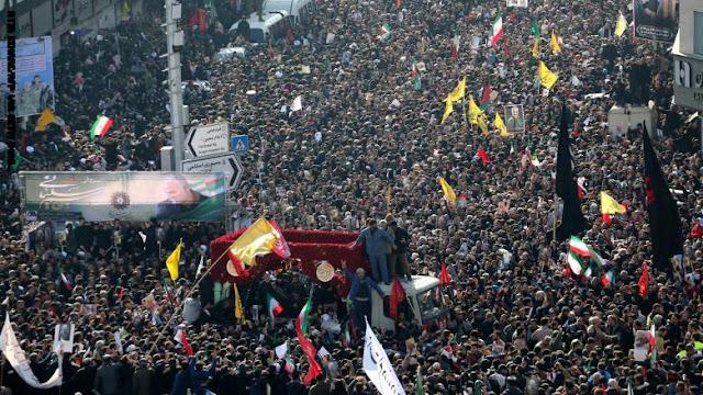 جثمان سليماني يصل إلى مسقط رأسه بمدينة كرمان الإيرانية لدفنه