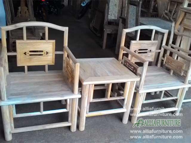 kursi ukiran teras rumah model bambu