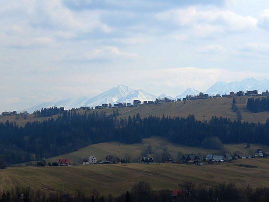 Tatry Bielskie i najdalej wysunięte na wschód szczyty Tatr Wysokich.