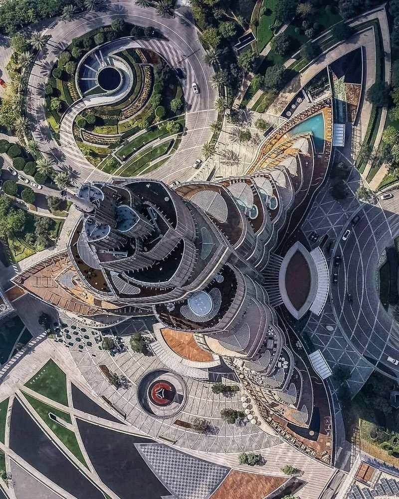Photo of Burj Khalifa in the United Arab Emirates from the top view