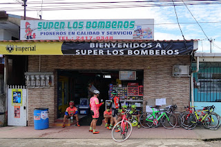 people and bicycles in Santiago de Puriscal