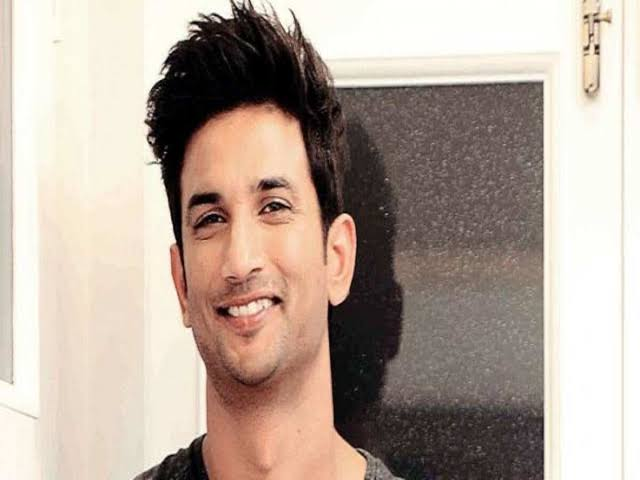 Famous actor Sushant Singh Rajput hanged himself in his house