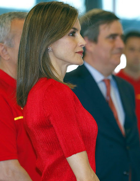 Rio 2016, Queen Letizia wore Mango Sandal, shoes, Queen Letizia Style Uterque Clutch Bag, Hugo Boss Trousers, pant, top, Massimo Dutti