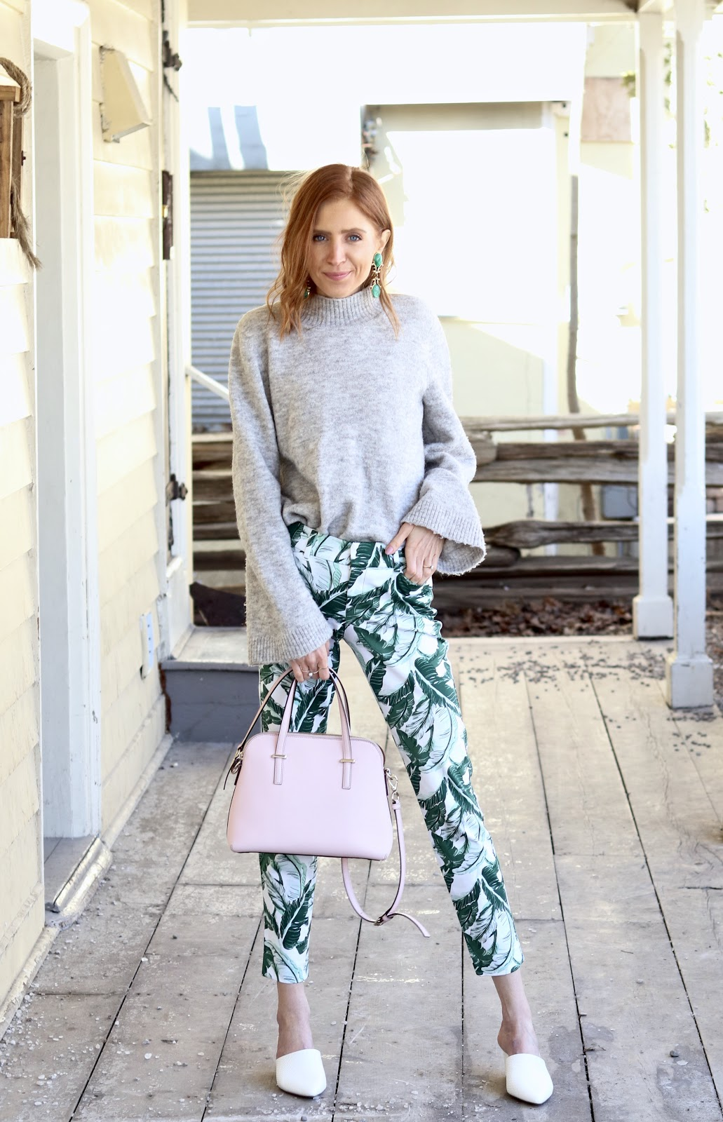 Dressing from winter to spring, transitional colours, palm print pants Old Navy