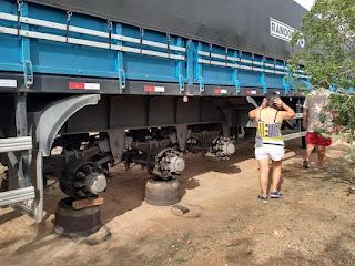 roubo de pneus, carreta, roubo, rodas, pneus, quadrilha, bahia, Bendego, roubo de pneus, carreta, roubo, rodas, pneus, quadrilha, bahia, Bendego, Scania R450 e Carreta nova têm todos os pneus roubados na Bahia