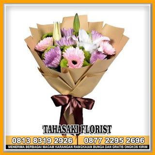 Bunga Tangan Wisuda dan Pengantin