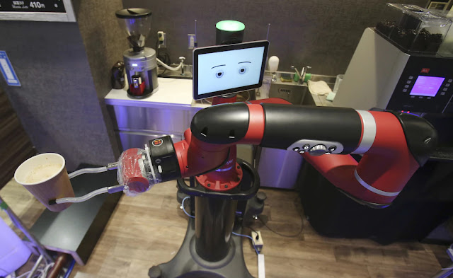Robot Barista Henna Cafe