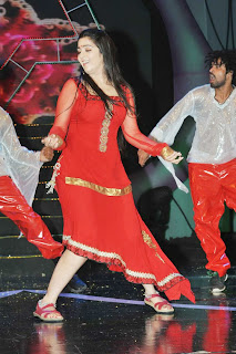 WWW..BLOGSPOT Actress Charmee Stage Dance Performance at Maa Music Awards 2012 Picture Stills Image Gallery 0003