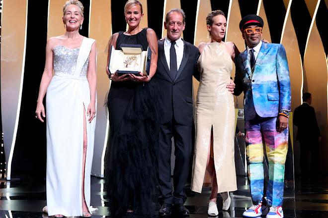 Cannes 2021: vince la Palma d'Oro Titane, film rock pieno di musiche e colori
