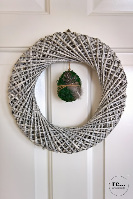 wreath, paper weaving, wicker paper, recycle, upcycle, easter decor, eco, minimalism, wianek, papierowa wiklina, Wielkanoc